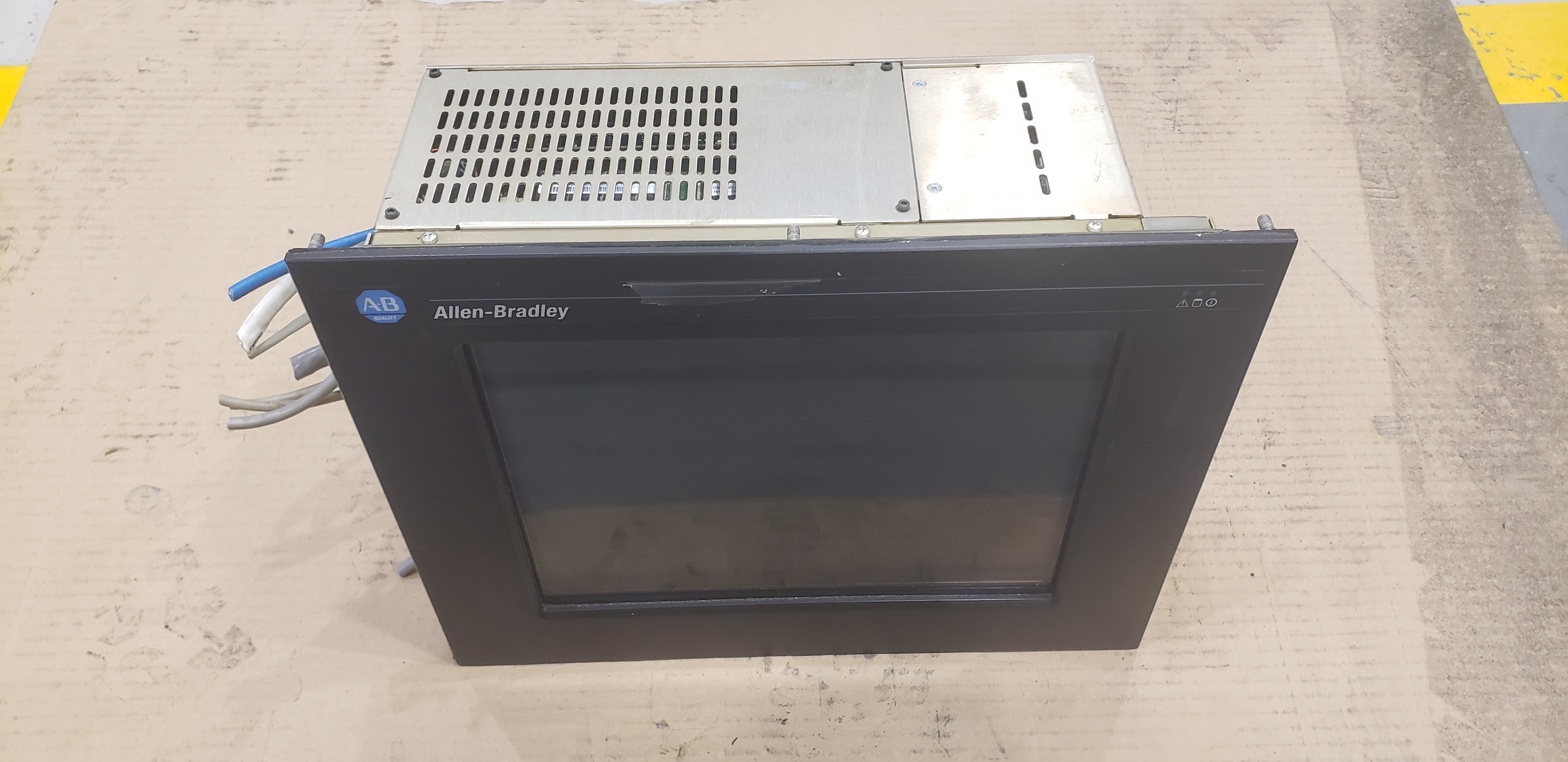 Allen-Bradley VersaView 1200P Display Panel / Computer 6181P-12N