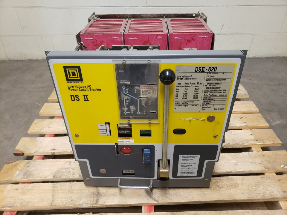 Square D DSII-620 Circuit Breaker 2000 Amp; 635 Volts