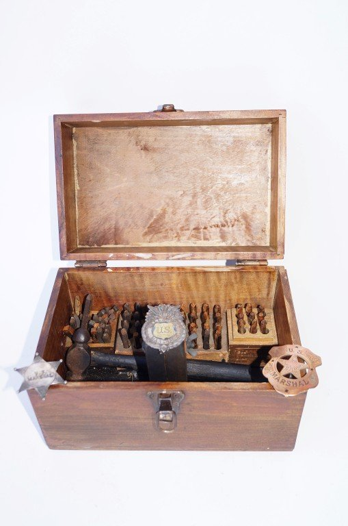 Western Badge Maker's Box
