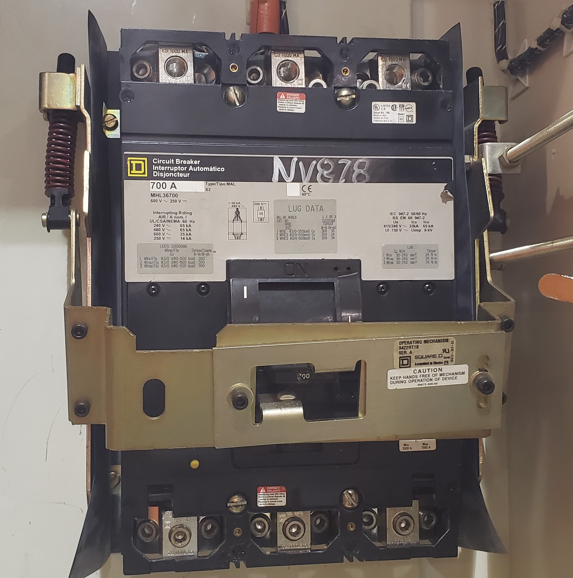 Square D 700 Amp MHL36700 Molded Case Breaker