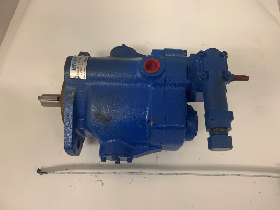 Vickers Hydraulic Pump Model: PVQ32-B2R-SE1S-20CM711