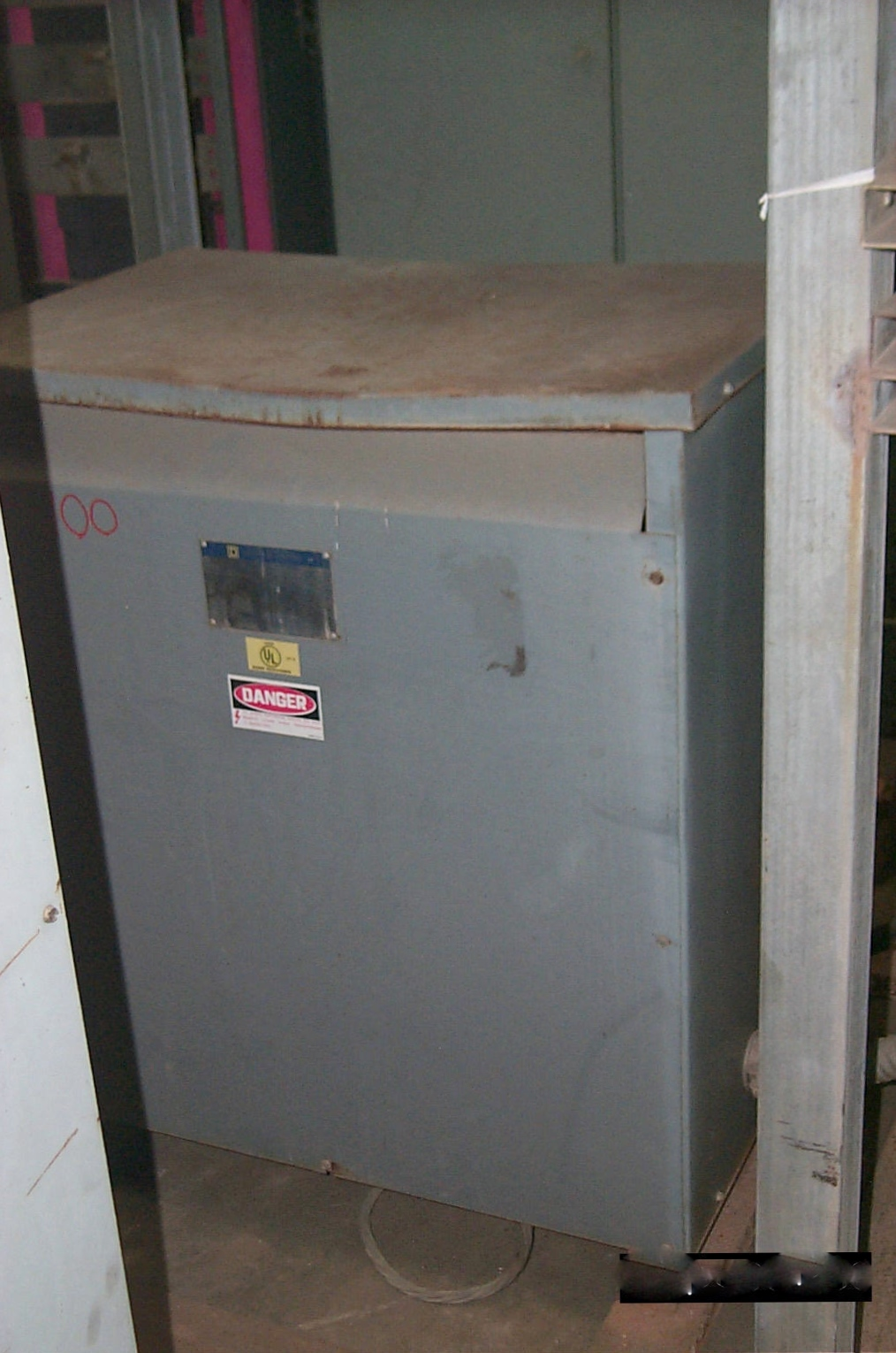 Square D 150 KVA 480-208Y/120 Dry Type Transformer