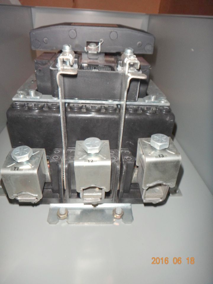 GE Size 5 Contactor & Enclosure CR305G1